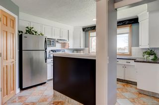 Photo 13: 5424 Ladbrooke Drive SW in Calgary: Lakeview Detached for sale : MLS®# A1103272