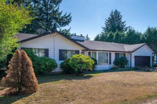Photo 2: 20492 40 Avenue in Langley: Brookswood Langley House for sale : MLS®# R2557324