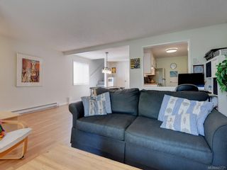 Photo 5: 5 954 Queens Ave in : Vi Central Park Row/Townhouse for sale (Victoria)  : MLS®# 845721
