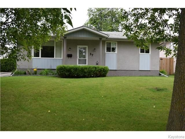 Main Photo: 37 Santa Clara Crescent in Winnipeg: Waverley Heights Residential for sale (1L)  : MLS®# 1626853