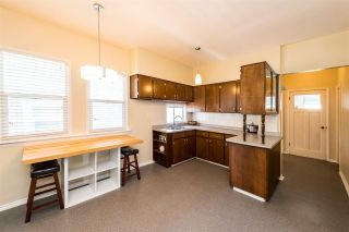Photo 5: 3553 TRIUMPH Street in Vancouver: Hastings East House for sale (Vancouver East)  : MLS®# R2273868