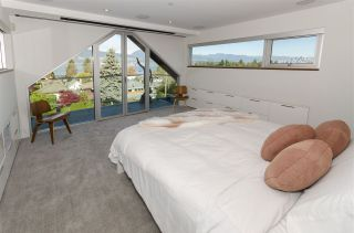 Photo 12: 4554 LANGARA Avenue in Vancouver: Point Grey House for sale (Vancouver West)  : MLS®# R2625652