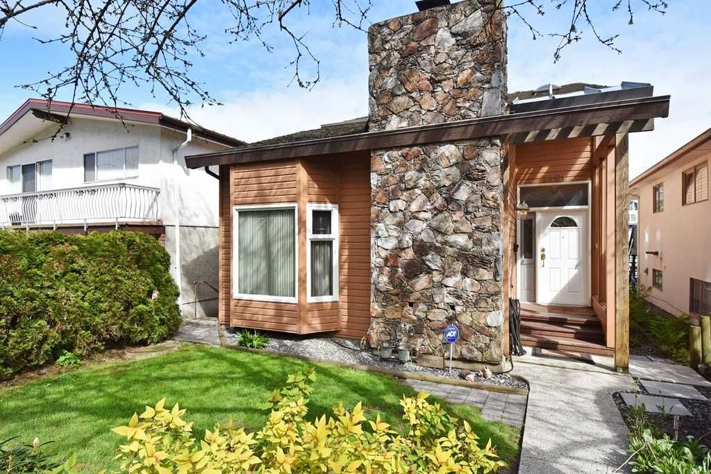 Main Photo: 2451 PARKER Street in Vancouver: Renfrew VE House for sale (Vancouver East)  : MLS®# R2160159