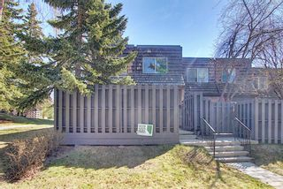 Photo 2: 129 210 86 Avenue SE in Calgary: Acadia Row/Townhouse for sale : MLS®# A1121767