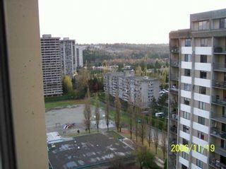 """Photo 9: 9595 ERICKSON Drive in Burnaby: Sullivan Heights Condo for sale in """"CAMERO TOWER"""" (Burnaby North)  : MLS®# V620031"""