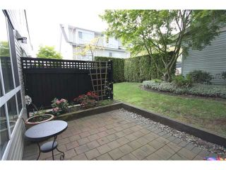 """Photo 4: 6717 VILLAGE Grove in Burnaby: Highgate Townhouse for sale in """"THE MONTEREY"""" (Burnaby South)  : MLS®# V952131"""