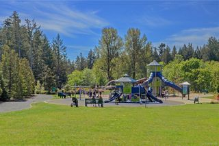 Photo 12: 1215 Bombardier Cres in Langford: La Westhills House for sale : MLS®# 817906