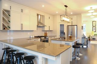 Photo 9: 1717 15 Street NW in Calgary: Capitol Hill Semi Detached for sale : MLS®# A1109111