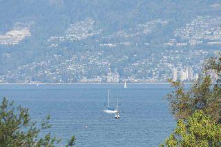 "Photo 15: 304 2255 YORK Avenue in Vancouver: Kitsilano Condo for sale in ""BEACH HOUSE"" (Vancouver West)  : MLS®# R2301531"