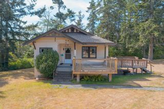 Photo 4: 9320/9316 Lochside Dr in : NS Bazan Bay House for sale (North Saanich)  : MLS®# 886022
