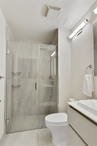 """Photo 12: 205 2175 SALAL Drive in Vancouver: Kitsilano Condo for sale in """"SOVANA"""" (Vancouver West)  : MLS®# R2552705"""