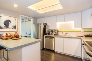 "Photo 8: 208 1159 MAIN Street in Vancouver: Mount Pleasant VE Condo for sale in ""CITYGATE II"" (Vancouver East)  : MLS®# R2325232"