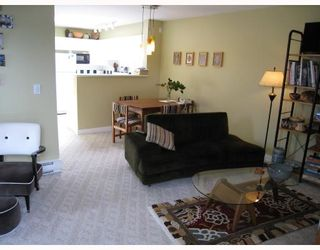 """Photo 4: 406 688 E 16TH Avenue in Vancouver: Fraser VE Condo for sale in """"VINTAGE EAST"""" (Vancouver East)  : MLS®# V710673"""