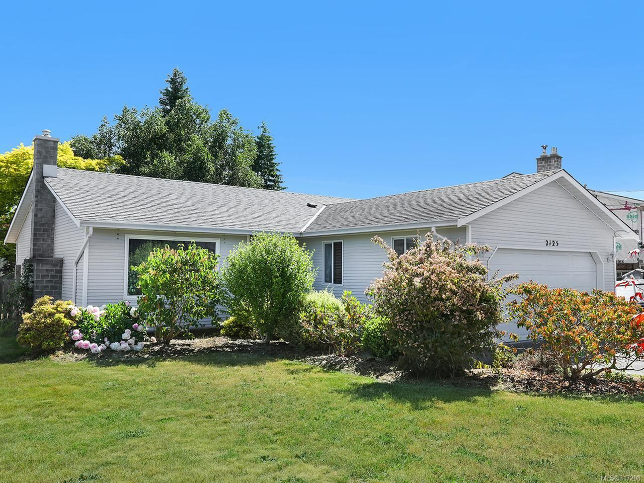 Main Photo: 2125 Eardley Rd in CAMPBELL RIVER: CR Willow Point House for sale (Campbell River)  : MLS®# 817298