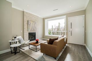 Photo 4: 6437 MARINE Drive in Burnaby: Big Bend 1/2 Duplex for sale (Burnaby South)  : MLS®# R2374846