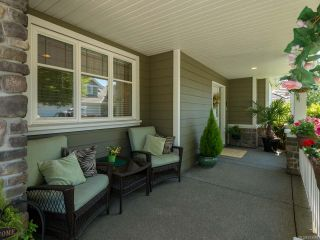 Photo 2: 9 737 Royal Pl in COURTENAY: CV Crown Isle Row/Townhouse for sale (Comox Valley)  : MLS®# 793870