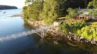 Photo 3: 10 Pirates Lane in : Isl Protection Island House for sale (Islands)  : MLS®# 878380