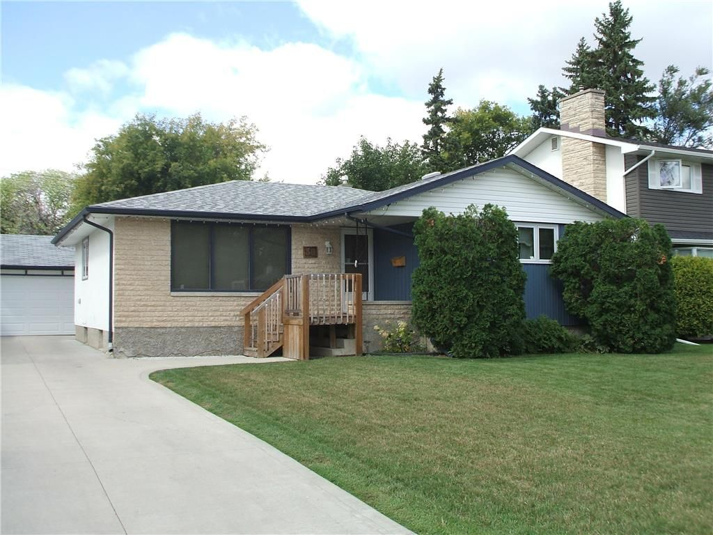 Main Photo: 30 Sage Crescent in Winnipeg: Crestview Residential for sale (5H)  : MLS®# 202021343