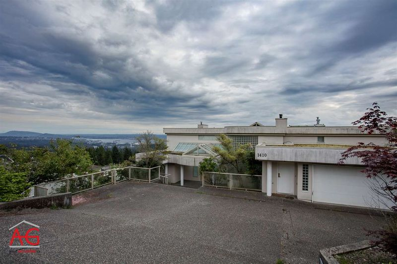 FEATURED LISTING: 1410 CHIPPENDALE Road West Vancouver