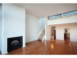 Photo 4: 107 1141 7TH Ave W in Vancouver West: Home for sale : MLS®# V1038154