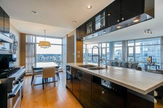 "Photo 17: 2701 1199 MARINASIDE Crescent in Vancouver: Yaletown Condo for sale in ""AQUARIUS I"" (Vancouver West)  : MLS®# R2564661"