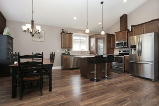 """Photo 3: 10261 MANOR Drive in Chilliwack: Fairfield Island House for sale in """"Fairfield Island"""" : MLS®# R2568147"""