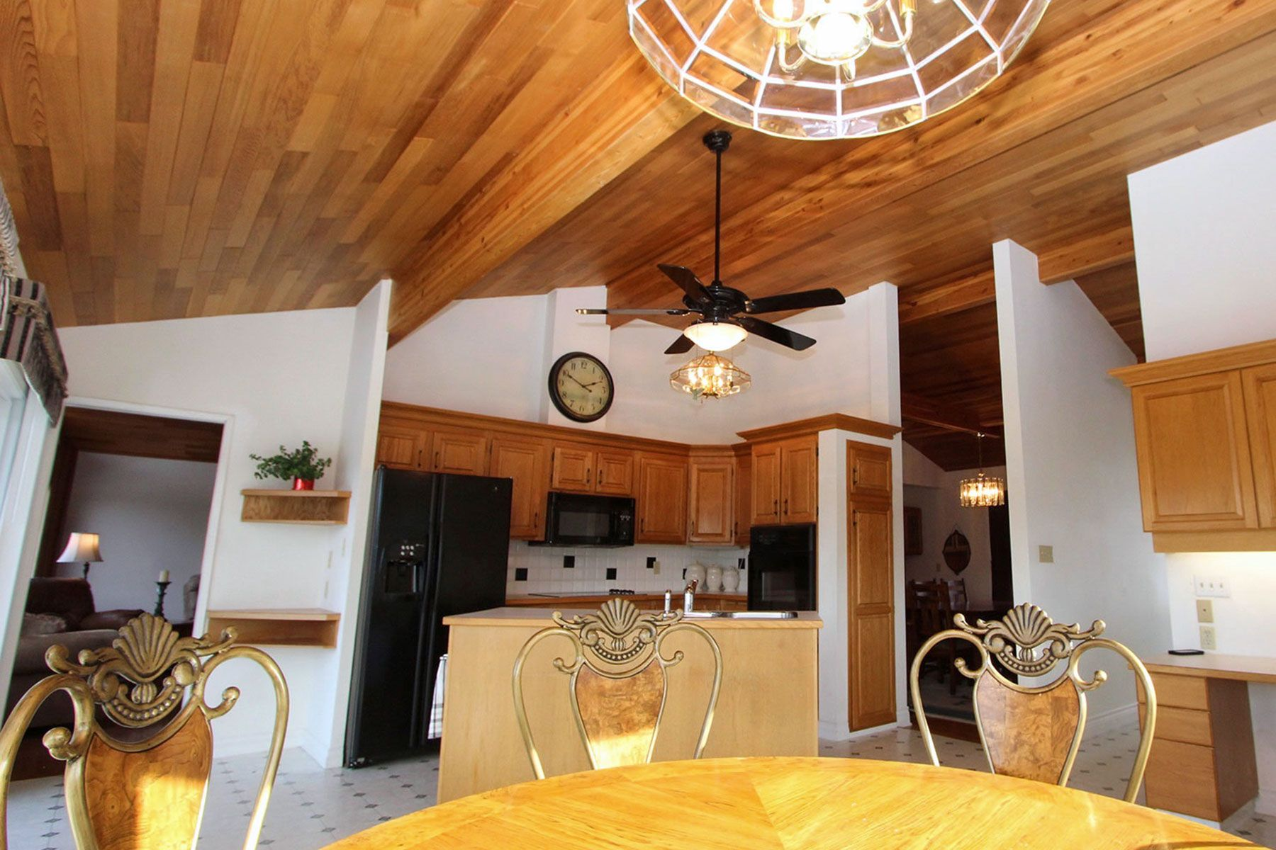 Photo 18: Photos: 1350 Trans Canada Highway in Sorrento: House for sale : MLS®# 10225818