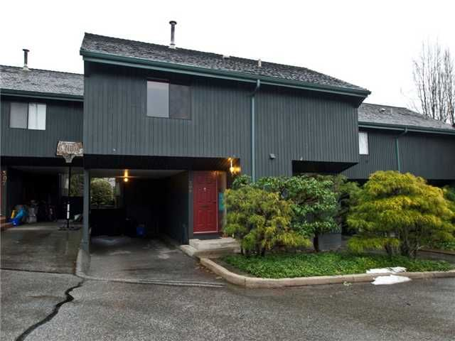"""Main Photo: 306 4001 MT SEYMOUR Parkway in North Vancouver: Dollarton Townhouse for sale in """"THE MAPLES"""" : MLS®# V860063"""