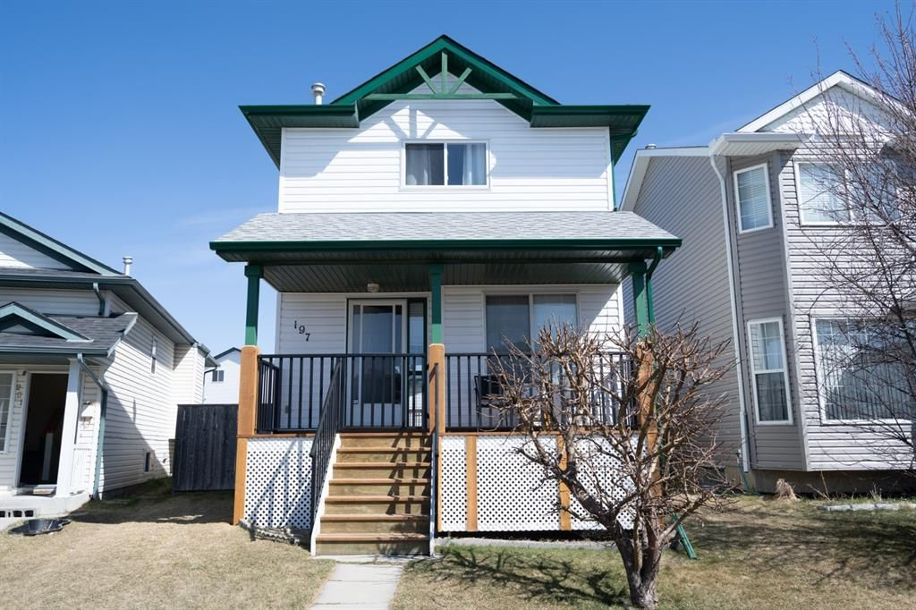 Main Photo: 197 Martin Crossing Crescent NE in Calgary: Martindale Detached for sale : MLS®# A1130039