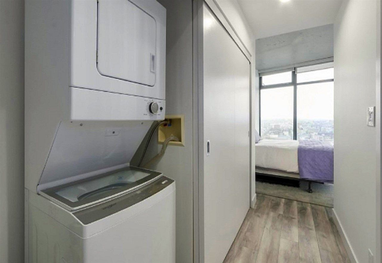 """Photo 6: Photos: 2404 108 W CORDOVA Street in Vancouver: Downtown VW Condo for sale in """"Woodwards"""" (Vancouver West)  : MLS®# R2419147"""