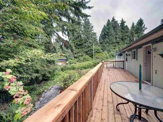 Photo 8: 17 240 HARRY Road in Gibsons: Gibsons & Area Manufactured Home for sale (Sunshine Coast)  : MLS®# R2588608