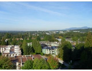 """Photo 6: 1103 3980 CARRIGAN Court in Burnaby: Government Road Condo for sale in """"DISCOVERY PLACE"""" (Burnaby North)  : MLS®# V788912"""