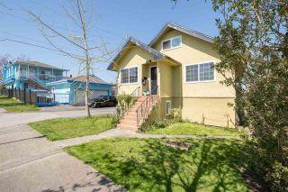 Photo 3: 3011 PARKER Street in Vancouver: Renfrew VE House for sale (Vancouver East)  : MLS®# R2568760