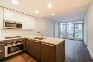 """Photo 1: 2106 2008 ROSSER Avenue in Burnaby: Brentwood Park Condo for sale in """"SOLO"""" (Burnaby North)  : MLS®# R2527577"""