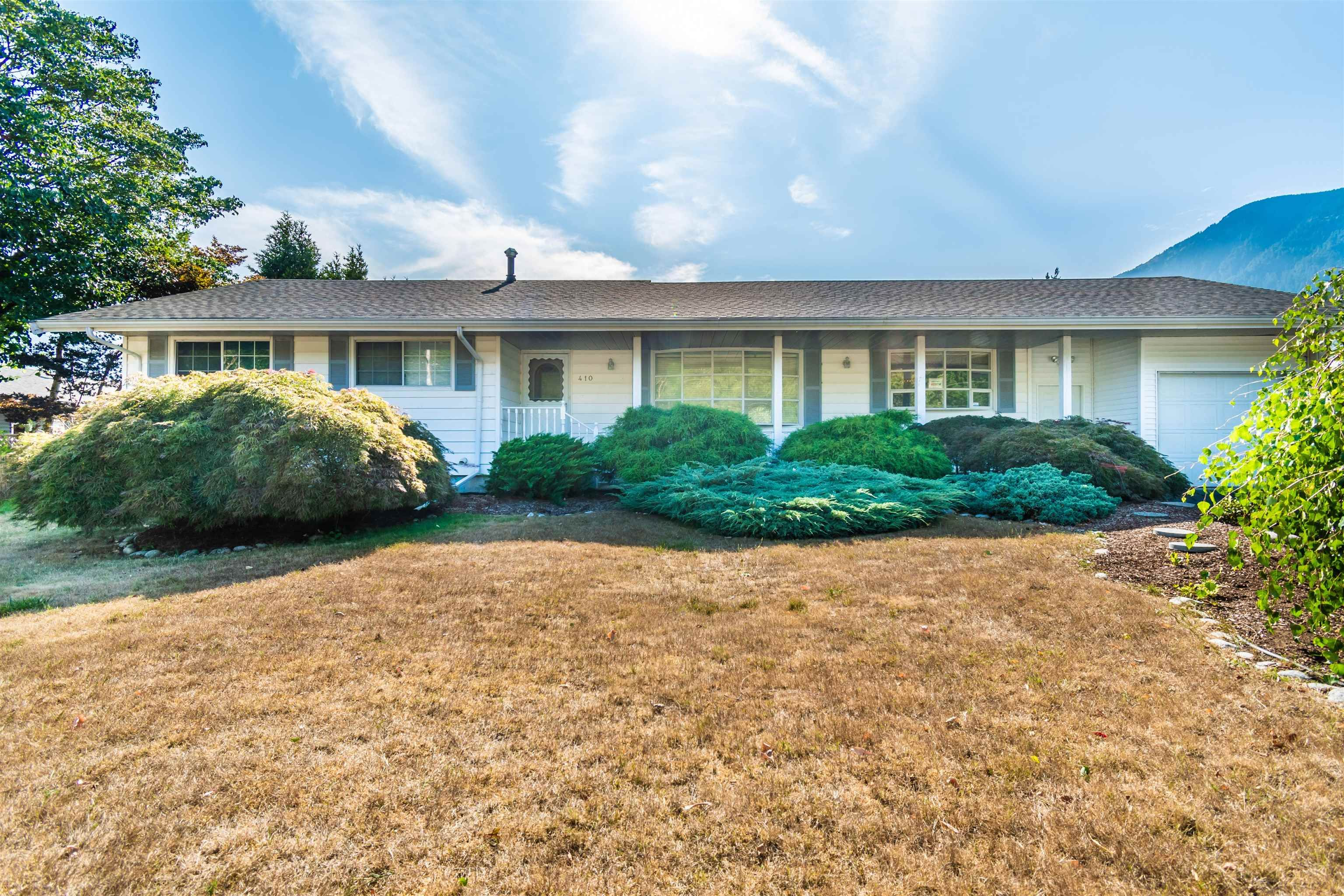 Main Photo: 410 7TH Avenue in Hope: Hope Center House for sale : MLS®# R2609570