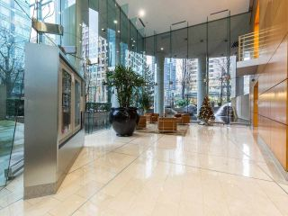 """Photo 20: 1202 1200 ALBERNI Street in Vancouver: West End VW Condo for sale in """"Palisades"""" (Vancouver West)  : MLS®# R2527140"""