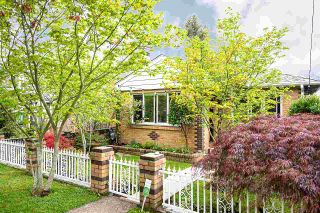 Photo 2: 4182 BALKAN Street in Vancouver: Main House for sale (Vancouver East)  : MLS®# R2574992