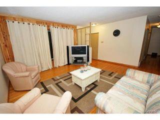Photo 3: 144 Moore Avenue in WINNIPEG: St Vital Residential for sale (South East Winnipeg)  : MLS®# 1421829