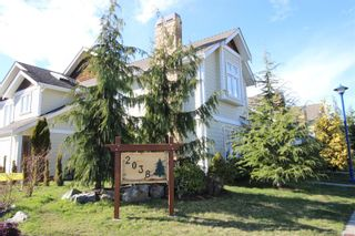 Photo 1: 110 2038 Gatewood Rd in : Sk Sooke Vill Core Row/Townhouse for sale (Sooke)  : MLS®# 869380