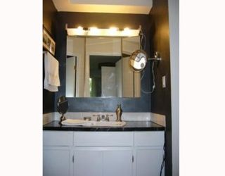 """Photo 7: 5 5575 OAK Street in Vancouver: Shaughnessy Condo for sale in """"SHAWNOAKS"""" (Vancouver West)  : MLS®# V751439"""