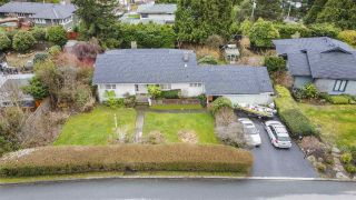 Photo 2: 151 CARISBROOKE Crescent in North Vancouver: Upper Lonsdale House for sale : MLS®# R2558225