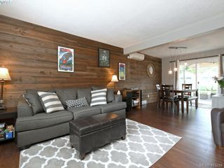 Photo 3: 2744 Whitehead Pl in VICTORIA: Co Colwood Corners Half Duplex for sale (Colwood)  : MLS®# 819559
