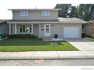 Photo 1: 707 Tobin Terrace in Saskatoon: Lawson Heights Single Family Dwelling for sale (Saskatoon Area 03)  : MLS®# 543284