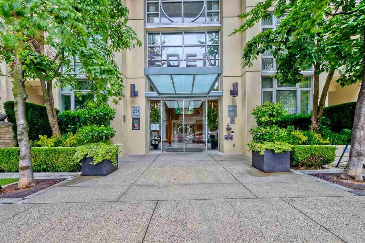 """Main Photo: 1205 1225 RICHARDS Street in Vancouver: Downtown VW Condo for sale in """"EDEN"""" (Vancouver West)  : MLS®# R2592615"""