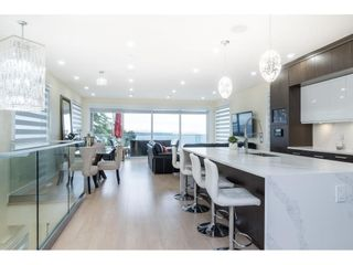 """Photo 7: 1105 JOHNSTON Road: White Rock House for sale in """"Hillside"""" (South Surrey White Rock)  : MLS®# R2577715"""