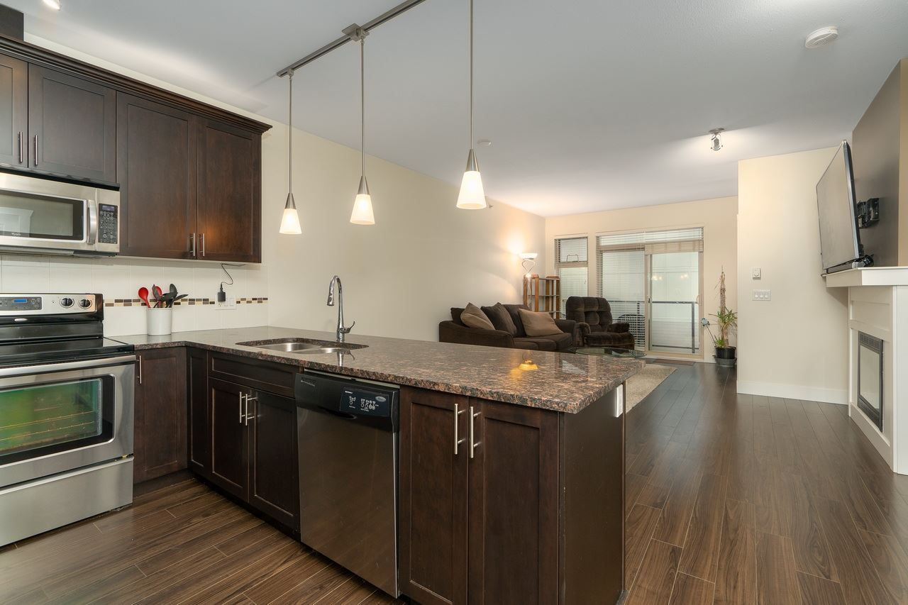 Main Photo: 409 2330 SHAUGHNESSY STREET in Port Coquitlam: Central Pt Coquitlam Condo for sale : MLS®# R2420583