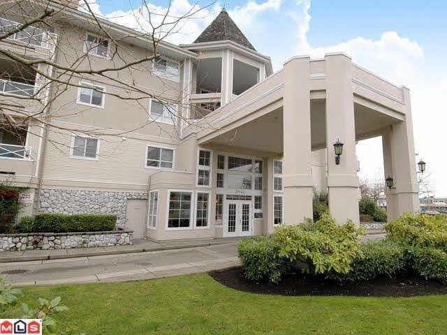 "Main Photo: 108 20145 55A Avenue in Langley: Langley City Condo for sale in ""BLACKBERRY LANE III"" : MLS®# F1431175"