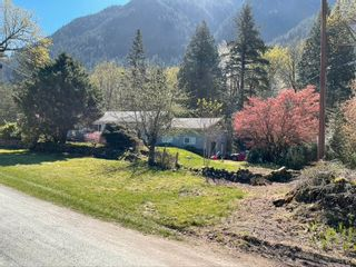 Photo 1: 20191 FLOODS Road in Hope: Hope Center House for sale : MLS®# R2594888