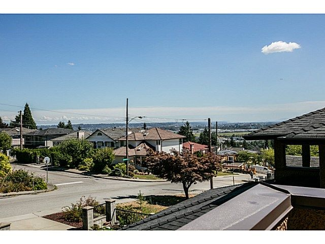 Photo 15: Photos: 7979 MCGREGOR Avenue in Burnaby: South Slope 1/2 Duplex for sale (Burnaby South)  : MLS®# V1137815