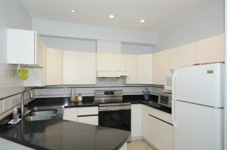 Photo 6: 27 9800 KILBY Drive in Richmond: West Cambie Townhouse for sale : MLS®# R2581676